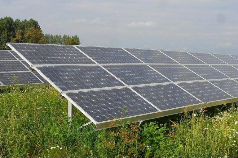 Sustainable Energy Is Green Fuel A Sustainable Solution Solar Panels Solar Energy Diy Solar Installation