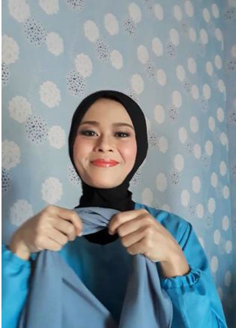 Tutorial Hijab Segitiga Untuk Sekolah