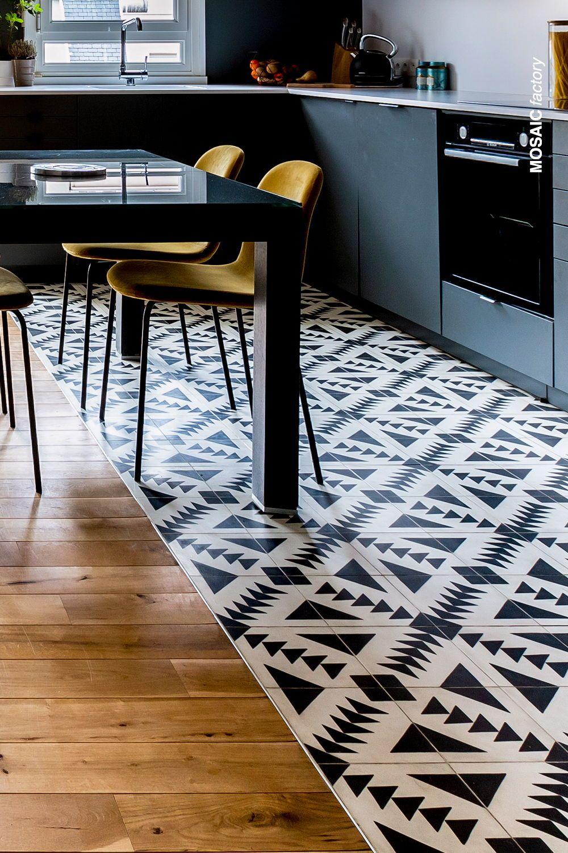 Kitchen Floor Tiles   MOSAIC FACTORY   Patterned kitchen tiles ...