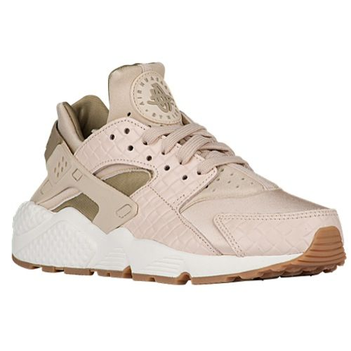 the latest 35c0a cf5fe Nike Air Huarache - Women's at Foot Locker | Things for my ...