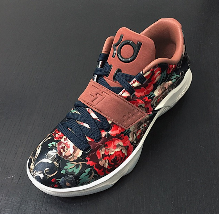 "the best attitude 4b34b dc36e More photos of the Nike KD 7 EXT ""Floral"" are here!"