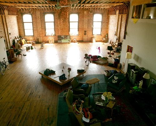 19 Dazzling Lofts That Will Inspire You To Renovate Your Attic Immediately Warehouse Loft Loft Living Warehouse Apartment
