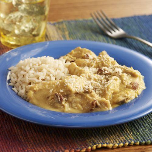 Chicken With Creamy Yellow Pepper Sauce (Aji De Gallina