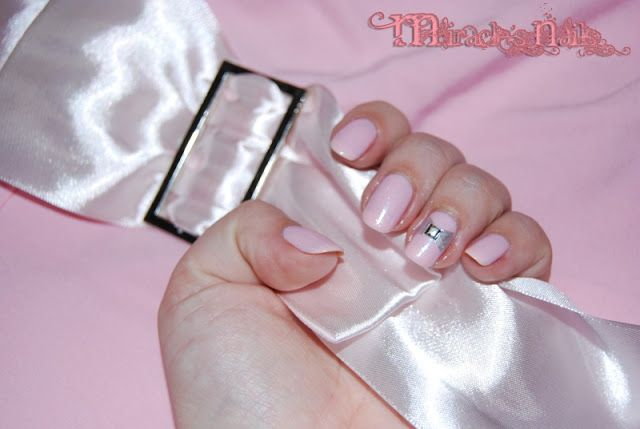 Accessorise with your nails