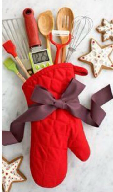 Have a friend who loves to cook make this nifty DIY stocking :) - The Cooker Stocking!!! Have A Friend Who Loves To Cook Make This