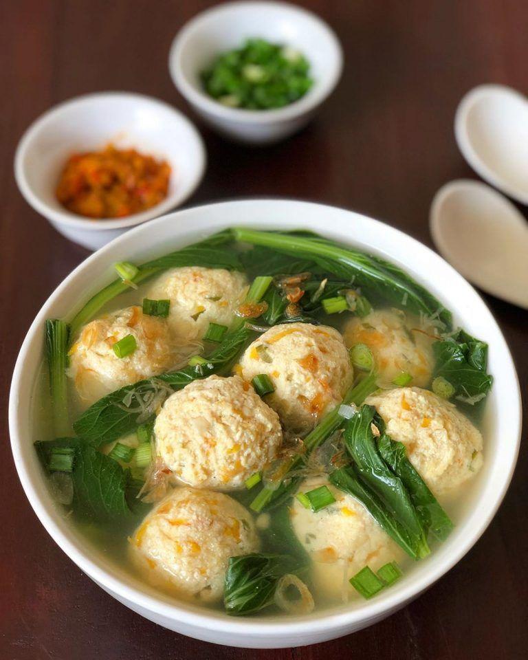 Resep Sup Bola Bola Tahu Kuah Kaldu Ayam Udang Yang Segar Dan Super Gurih Resep Sup Resep Masakan Pedas Resep Makanan Cina