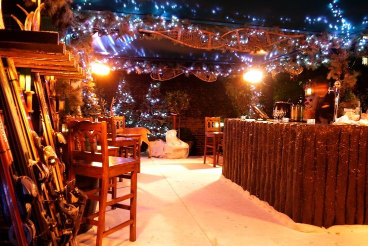 All out decor for a ski lodge themed party spf for Ski lodge decorating ideas