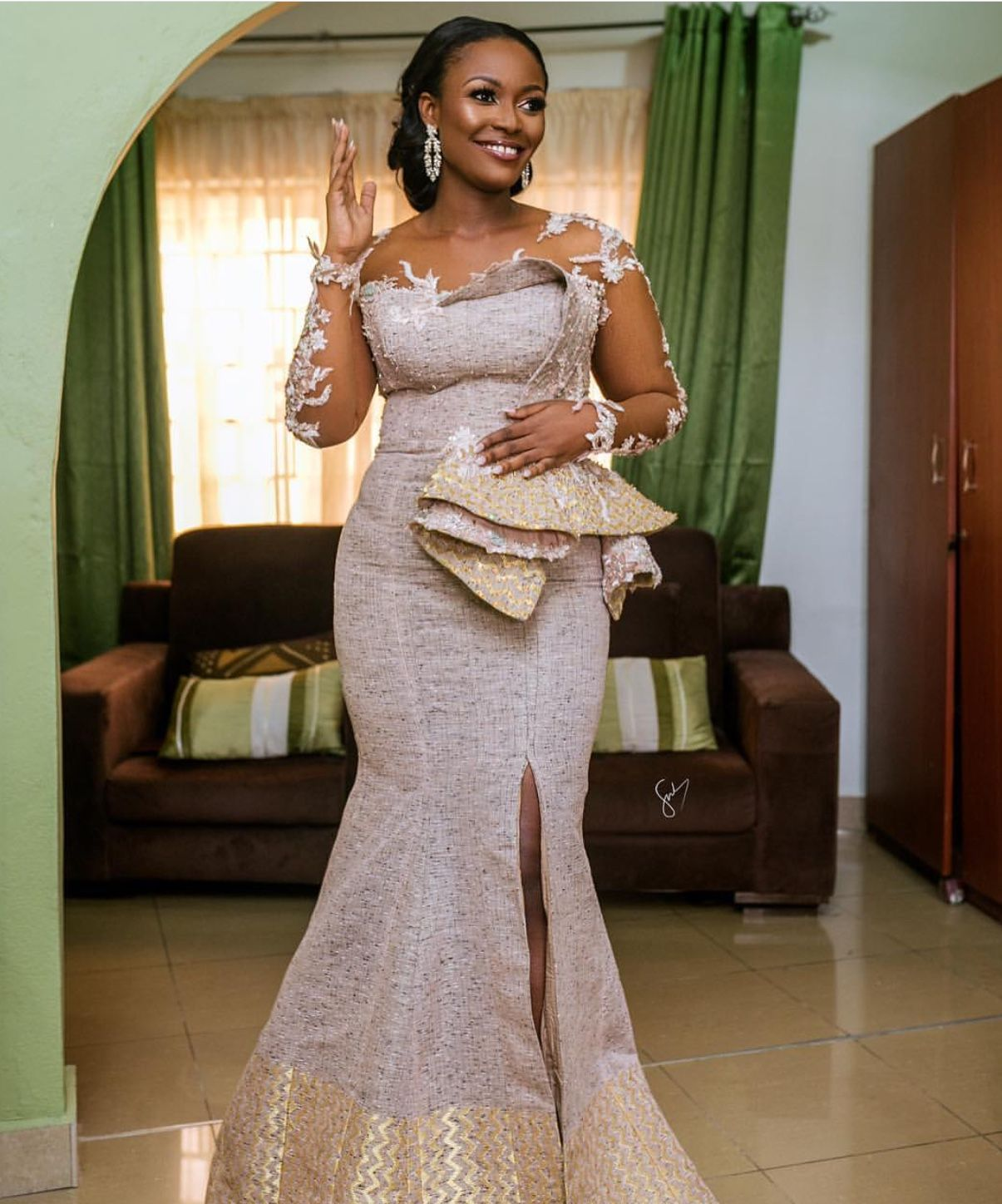 Pin By Adwoa Kwakyewaa Opong On Kente African Lace Styles Latest African Fashion Dresses African Lace Dresses [ 1448 x 1205 Pixel ]