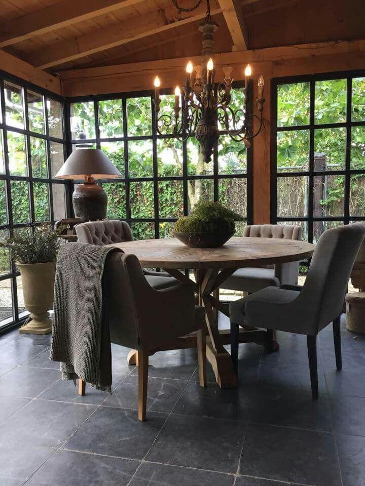 Ronde Tafel Hoevelaken.Ronde Tafel En Zwarte Ramen Home Ideas Zwarte Ramen