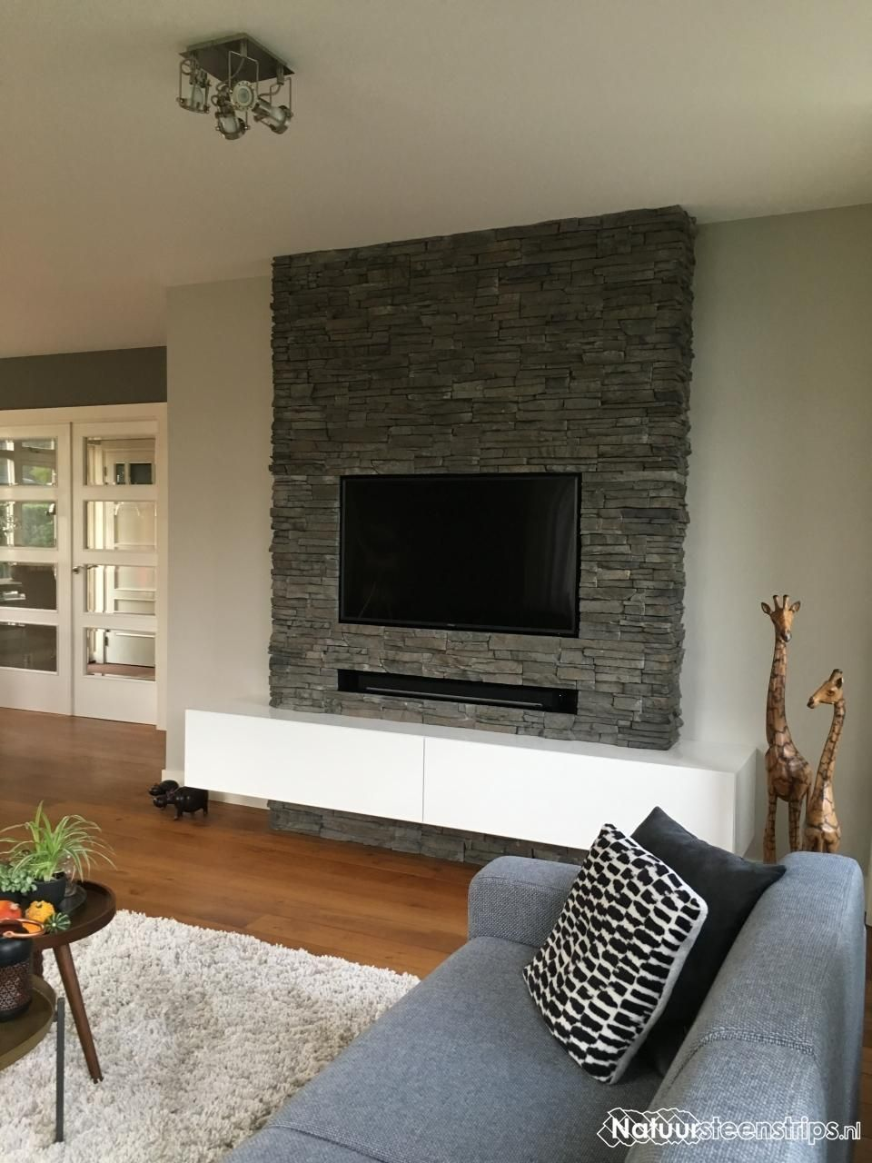 scaglia steenpanelen geopietra wandbekleding voor gevel open haard woonkeuken voor strakke. Black Bedroom Furniture Sets. Home Design Ideas