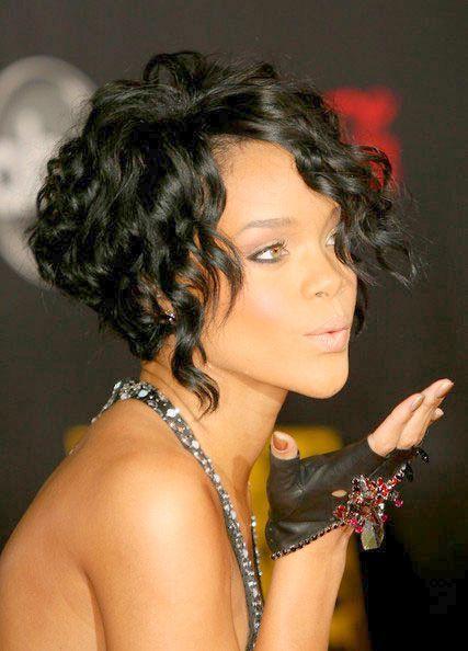 Modele De Coiffure Bouclee Pour Cheveux Courts Undercut Hairstyle