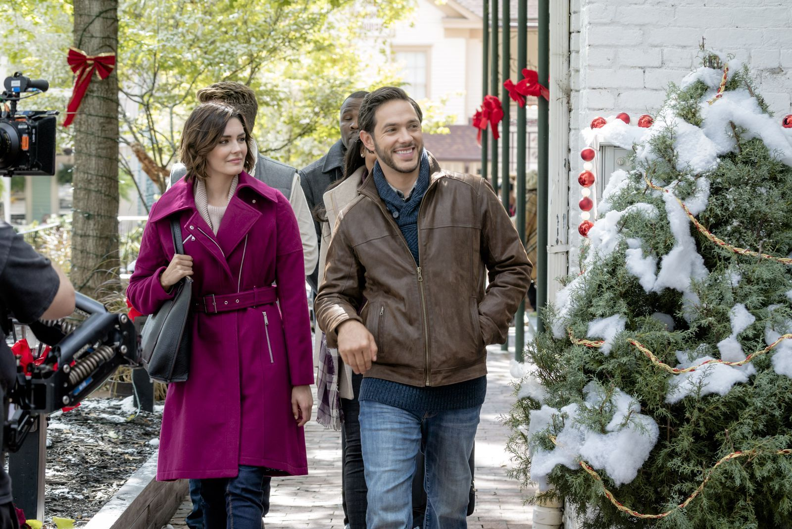 12 Hallmark Holiday Movie Towns You Can Visit in Real Life