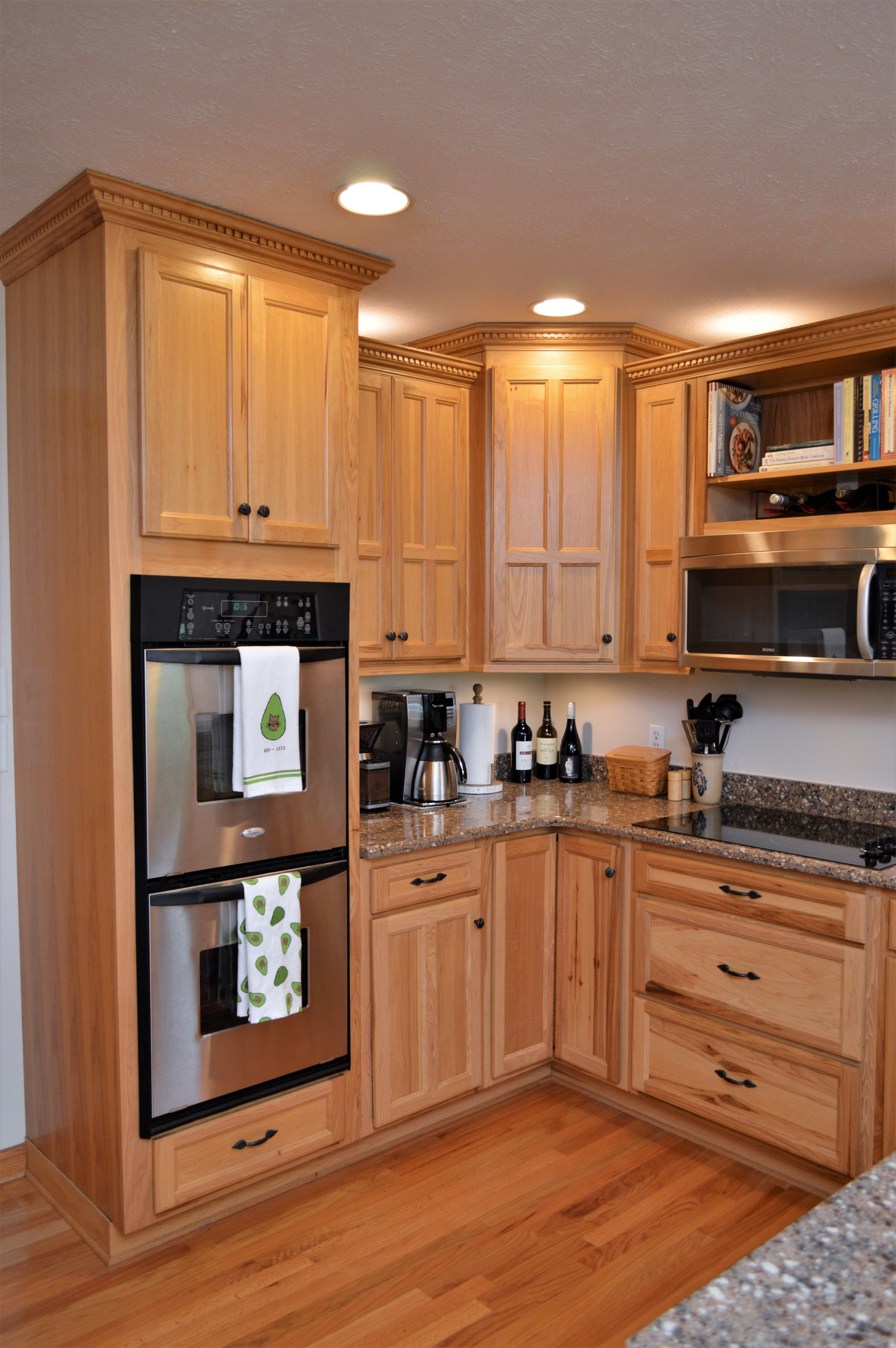 Haas Signature Collection Hickory Natural Finish Dresden Door Style Hickory Cabinets Cabinetry Kitchen Cabinets