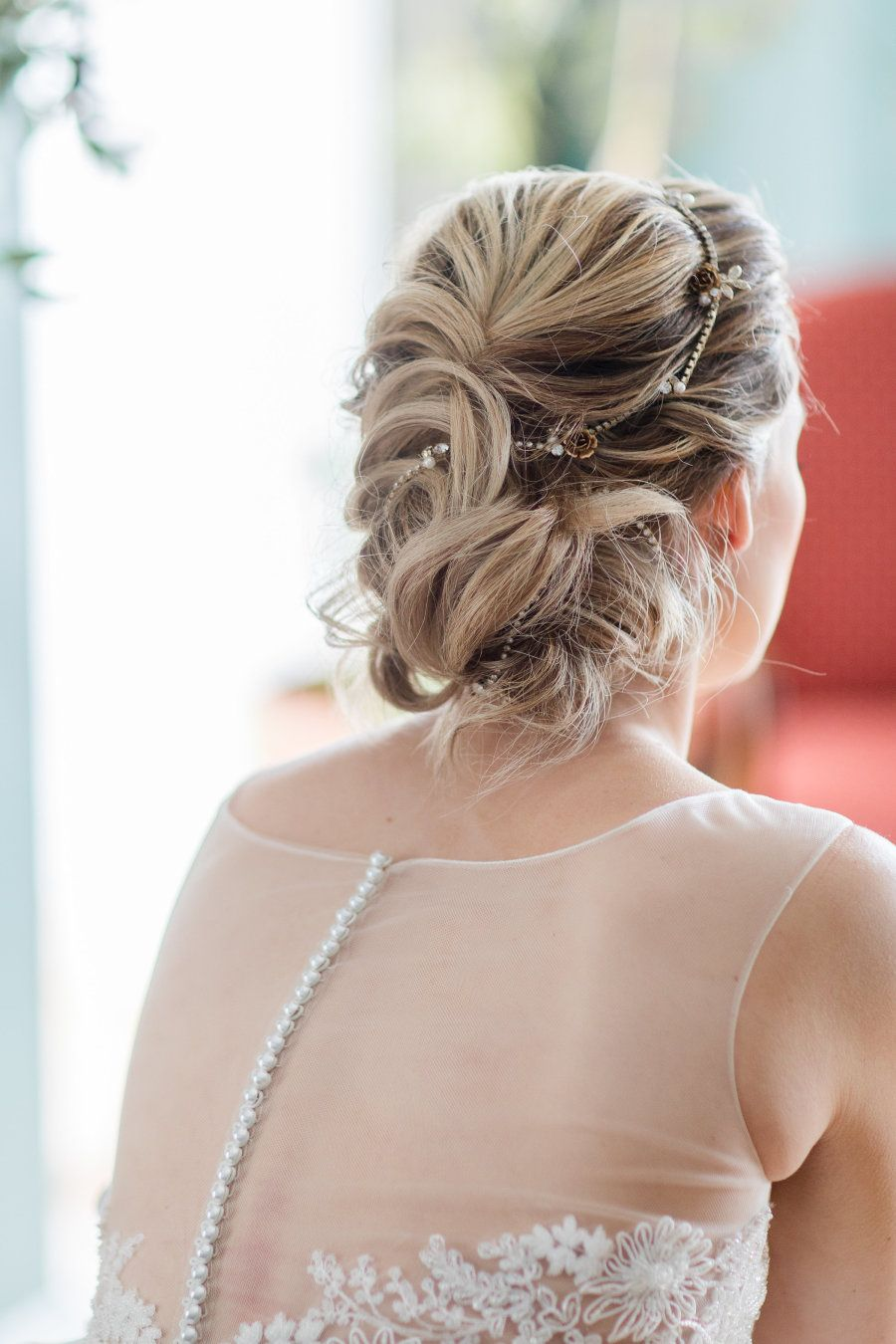 Wedding decorations accessories   Gorgeously Ethereal Bridal Hair Accessories That Donut Involve a