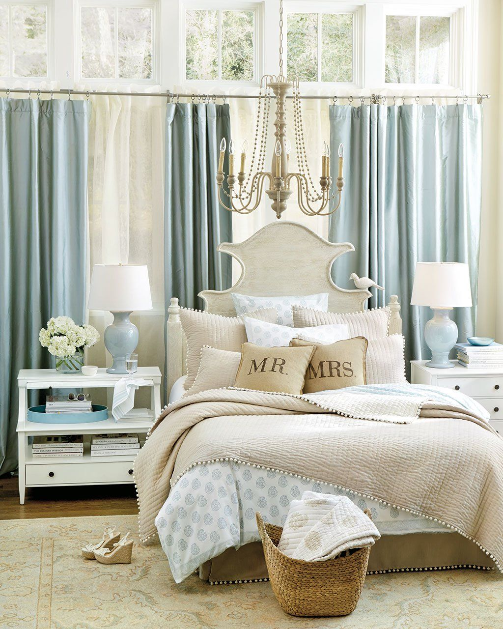 10 Ways to Place Your Bed in Front of a Window Home