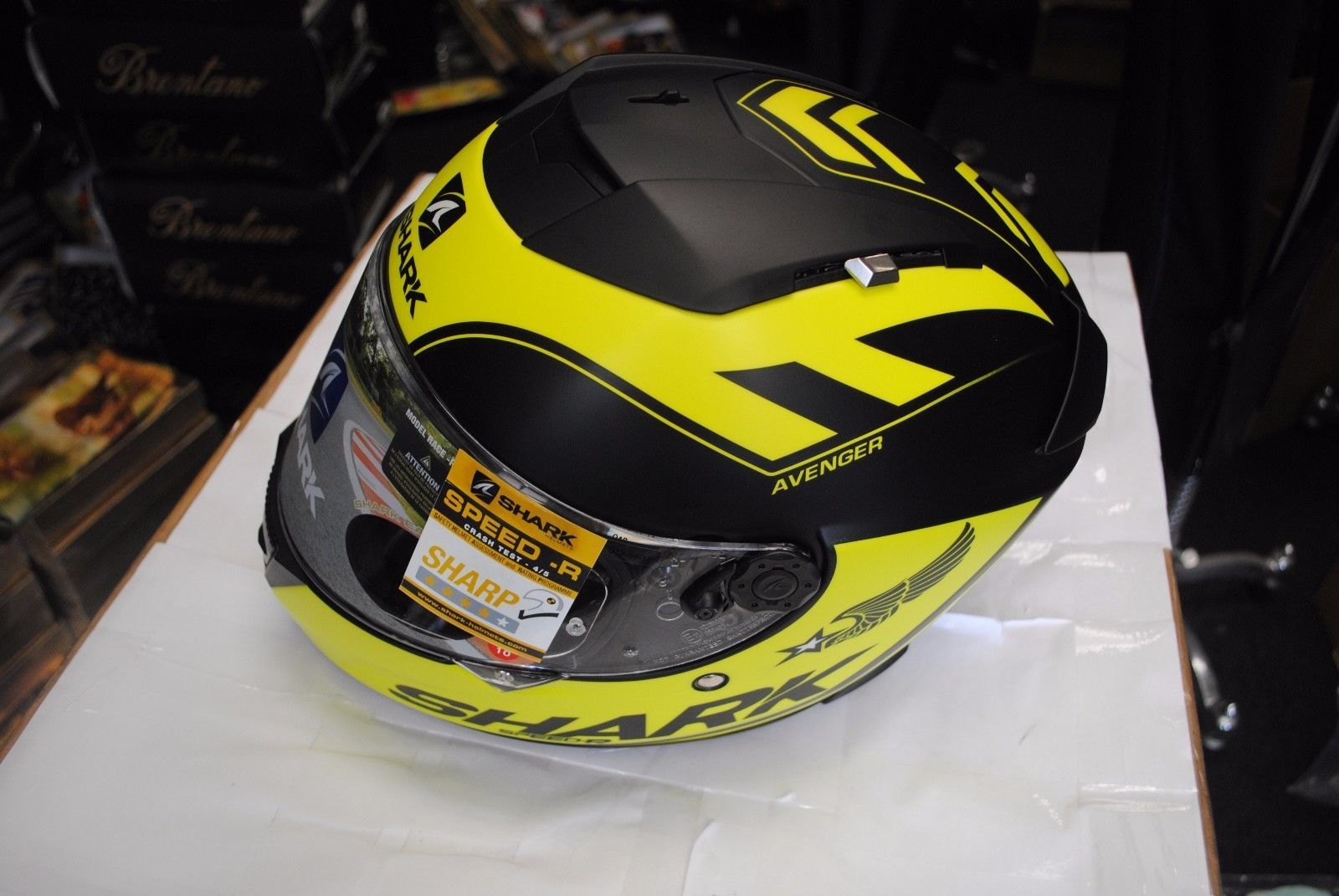 b5defb055624e  apparel Shark Speed-R Avenger Yellow Black Motorcycle Helmet Size Large  please retweet