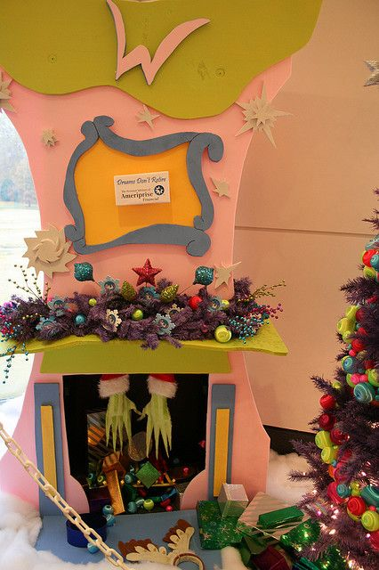 grinch Fireplaces, To look and The grinch