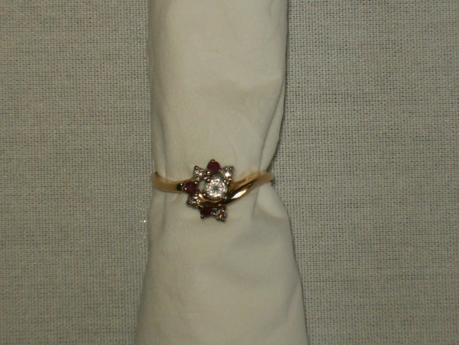#jewelry Vintage 14K Yellow Gold Ring with Rubies and Diamonds please retweet