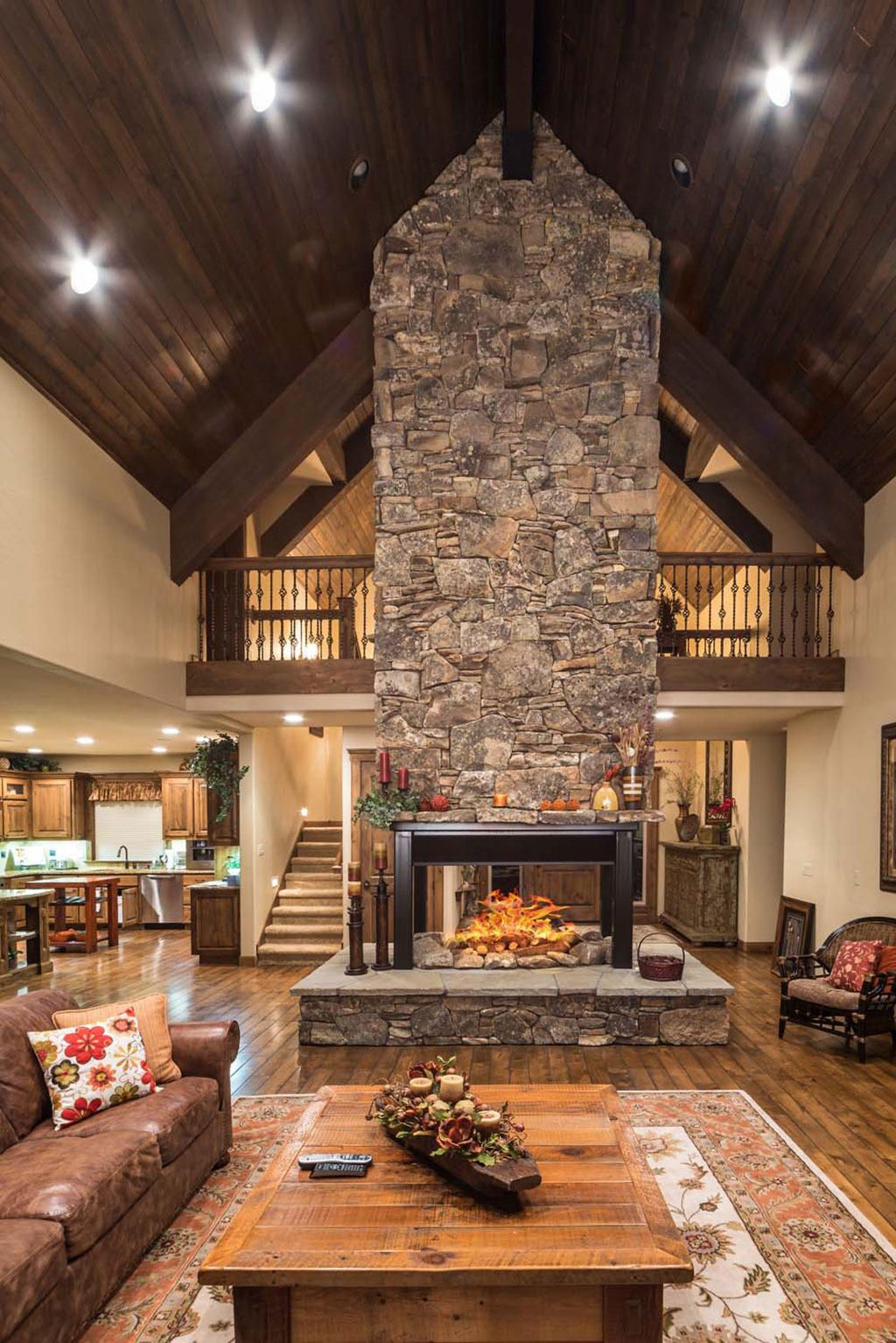 Gorgeous Free Standing Fireplace In Sunriver Oregon