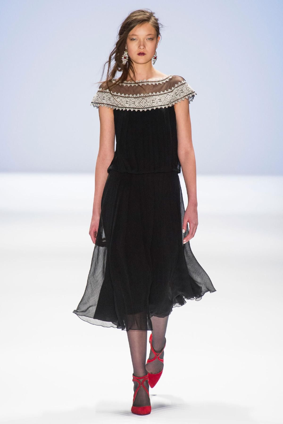 Tadashi Shoji Fall 2013 RTW Collection - Fashion on TheCut