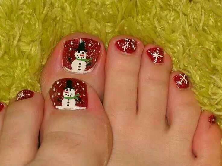 Cute Christmas toes!
