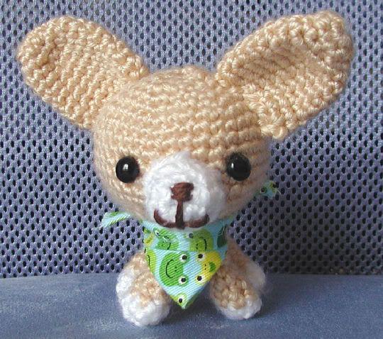 Crochet chihuahua | For my mom :) | Pinterest | Stricken