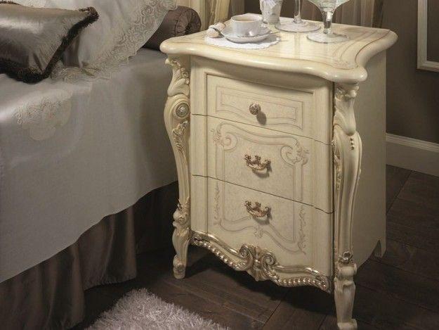 Comodino cameretta ~ Arredare una camera da letto in stile liberty comodino in stile