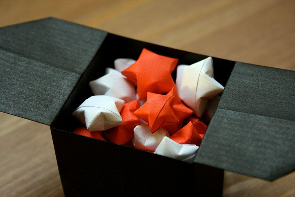 d co de no l les toiles chinoises du bonheur origami. Black Bedroom Furniture Sets. Home Design Ideas