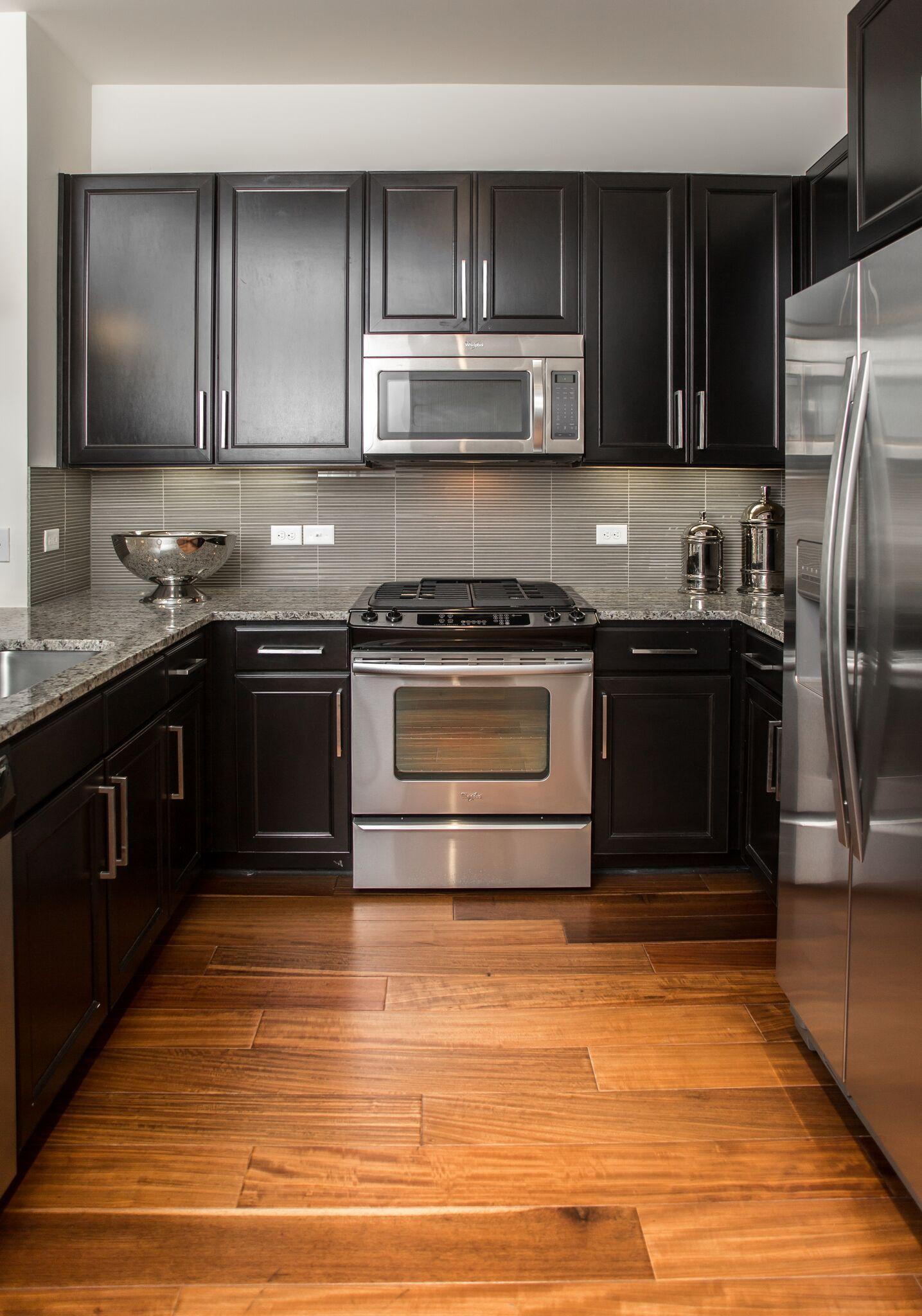 Pearl21eleven Project In Houston Tx Woodflooring Bgtinteriorsolutions Bgtis Cheap Kitchen Cabinets Kitchen Cabinet Remodel Kitchen Cabinets Home Depot