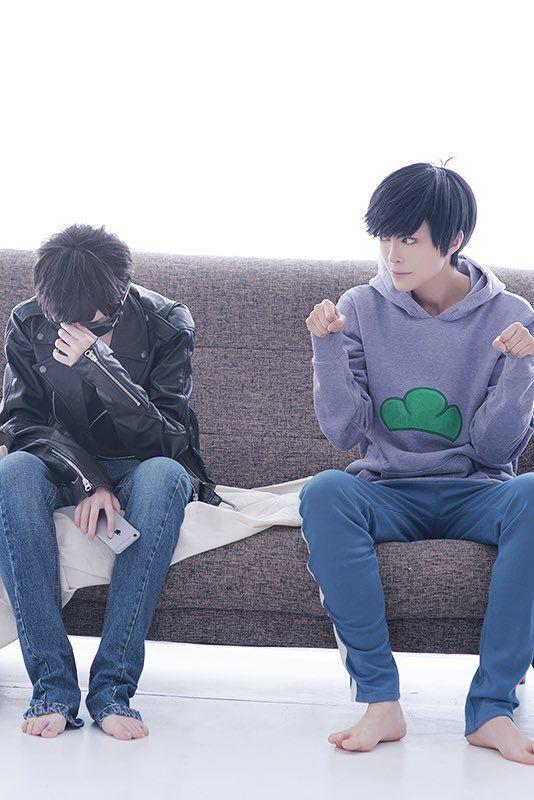 Karamatsu and Ichimatsu cosplay (switch character)