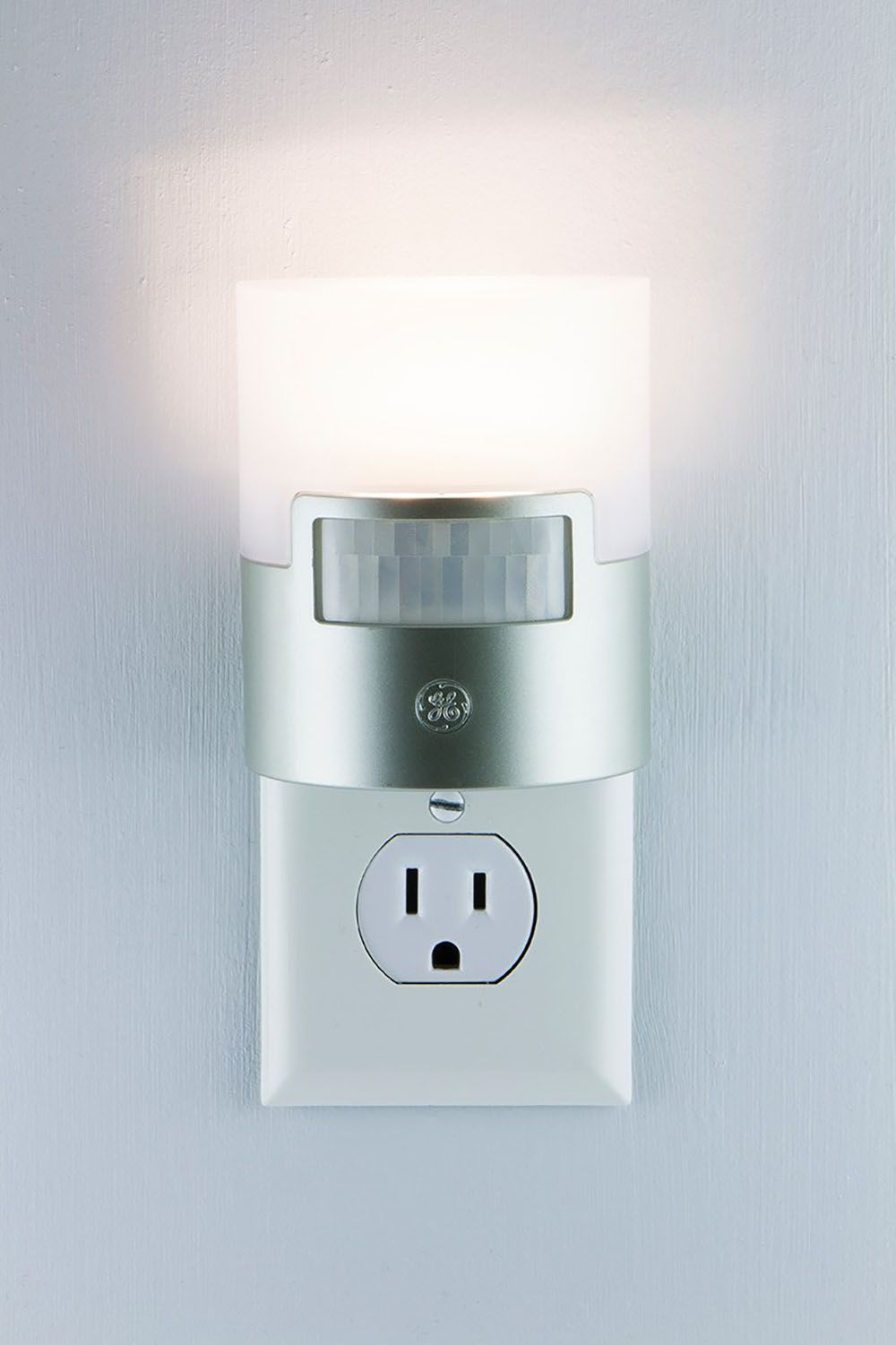 Sensor Night Light LED Motion Detector Plug In Indoor Electric Socket GE Silver