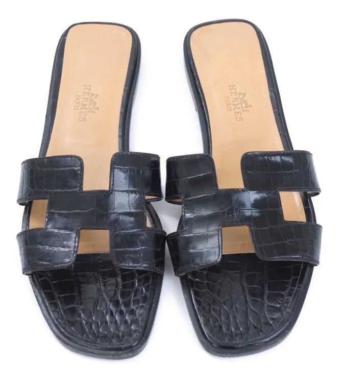 b5fb6c0e6 HERMÈS Crocodile ORAN Sandals 2