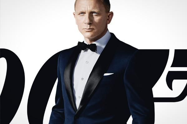 b9ef5dd90b0 Tom Ford dinner jacket in navy wool Essentials, Mens Dinner Suits, James  Bond Tuxedo