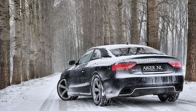 Audi Rs5 In Snow Quattro Drives Like A Dream Thru The Snow What I Like About Winter Driving My Car Audi Rs5 Audi Cars Audi S5