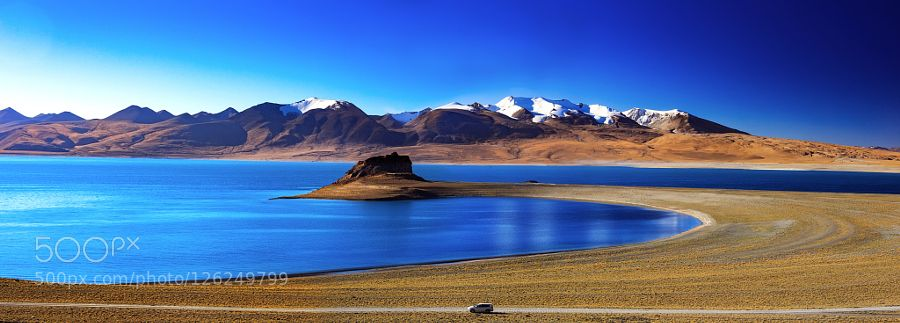 Rinchen shuptso lake in Tibet by huhaiwei. Please Like http://fb.me/go4photos and Follow @go4fotos Thank You. :-)
