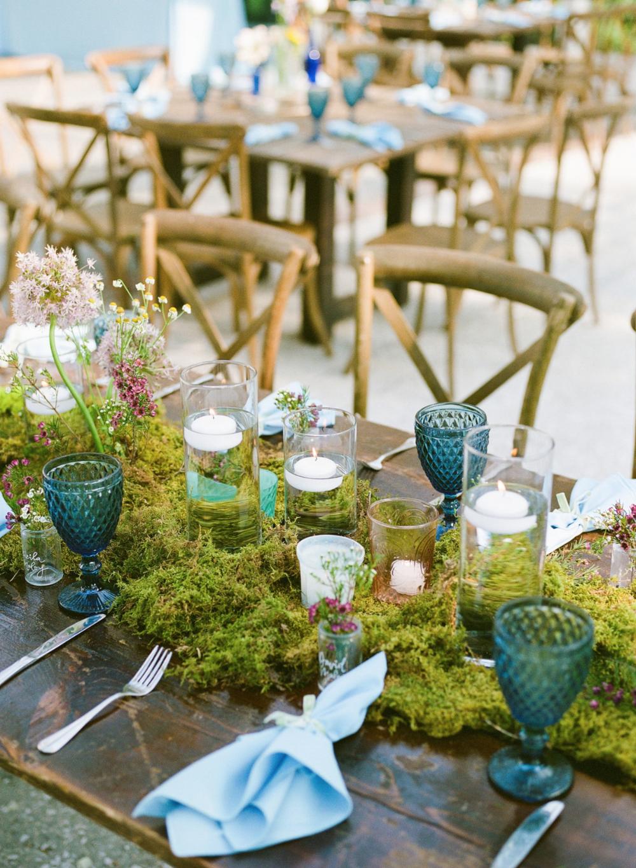 New Beginnings Spring Wedding #tabledecor #greenmoss #weddingdecor #weddingtables
