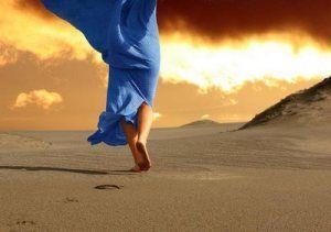 """Navigando  Navigando verso una terra di antichi tramonti colmi di nuove speranze e di lieti sospiri… In un continuo peregrinare, in cerca di qualcosa… O forse solo di se stessi… nella speranza che un giorno tutto sia più chiaro…  Maria Stella Bruno  da """"Clessidre Notturne"""", Edizioni il Pavone ebook 3,99 € http://www.amazon.it/Clessidre-Notturne-Maria-Stella-Bruno-ebook/dp/B00JCYKSWK/ref=sr_1_1?ie=UTF8&qid=1415693698&sr=8-1&keywords=clessidre+notturne"""