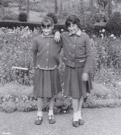Julia And Jacqui Dykins In 1958 In The Gardens At Woolton Woods Where They Went To Live After Their Mother Died John Lennon Beatles Lennon John Lennon