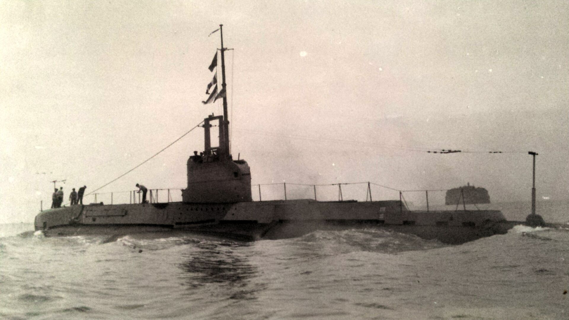 """shark"""" group 2 depth chargedgerman minesweepers: m-1803"""