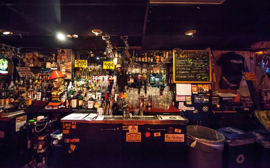 The Best Dive Bars In 10 Cities Around The World Dallas Bars Dive Bar Travel And Leisure