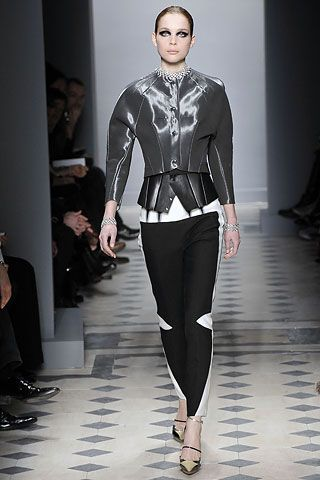 Balenciaga Fall 2008 Ready-to-Wear Collection Slideshow on Style.com