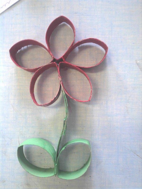 fleur en rouleau de papier toilette ecole arts visuels. Black Bedroom Furniture Sets. Home Design Ideas