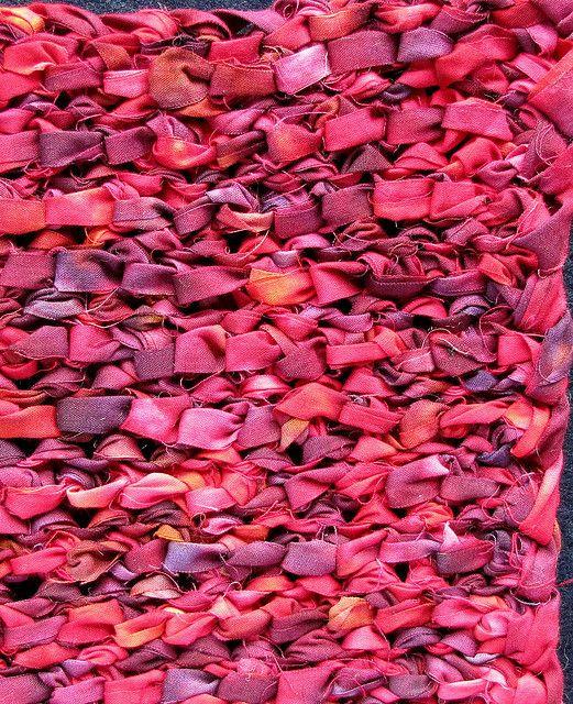 Crazy Mom Quilts How To Crochet A Rag Rug With Fabric Yarn Crochet Rag Rug Rag Rug Tutorial Braided Rag Rugs