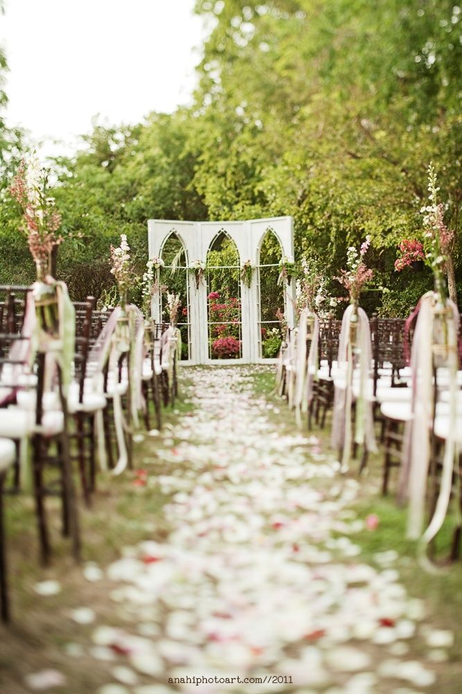 Such An Enchanting Garden Wedding Ceremony Setup Gardenparty Weddingceremony