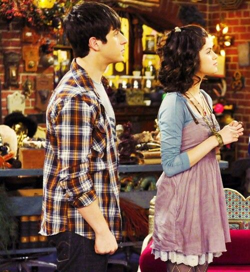 Not a huge fan of her but I love her style as Alex russo. Not a huge fan of her but I love her style as Alex russo    P S