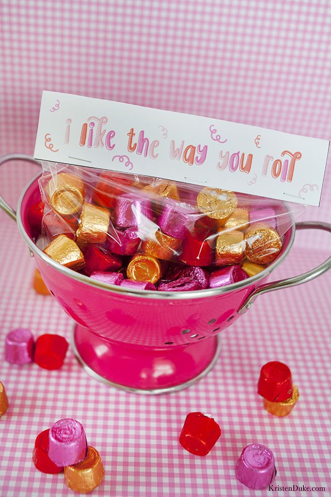 Printable Valentine Treat Topper | Free printable, School and Easy