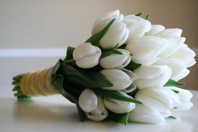 pristine white tulip bouquet | for tying the knot | Pinterest ...