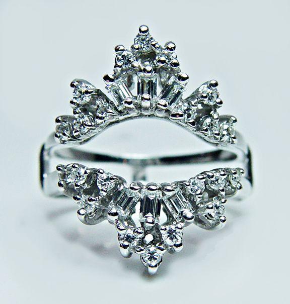 Diamoire Jewels Swarovski Zirconia Ring in 10Kt White Gold - UK U - US 10 1/4 - EU 62 3/4 TZTqr