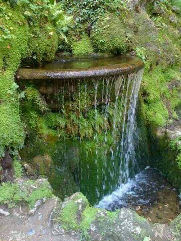 40 Beautiful Garden Fountain Ideas #waterfeatures