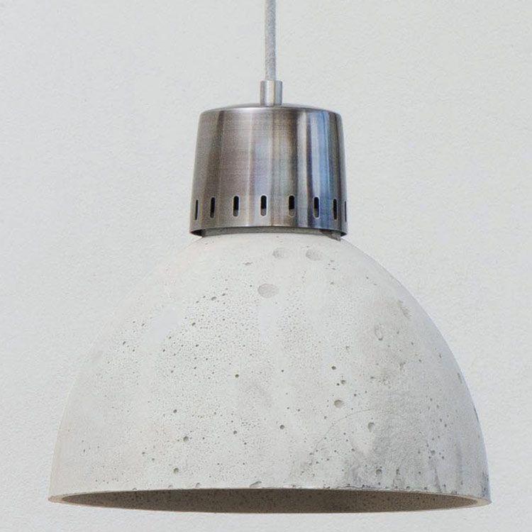 Beton-Pendelleuchte *Die Lampe ist auf Anfrage auch in anderen Beton-Farben und mit anderen Kabeln erhältlich.